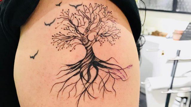 ağaç dövmesi