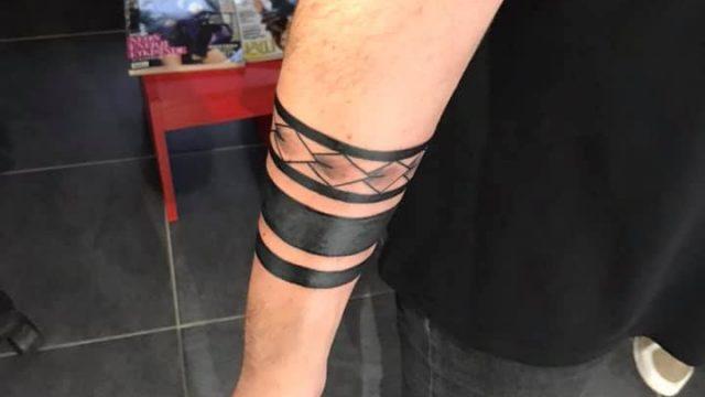 kolbandı dövme şerit dövme