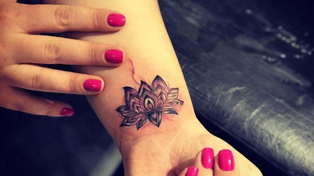 lotus dövme modelii