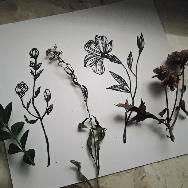 çiçek dövme deseni