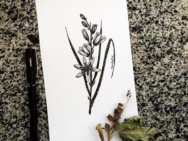 çiçek dövme modeli