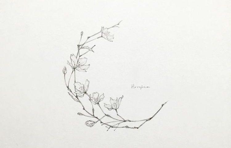 hilal çiçek dövme modeli