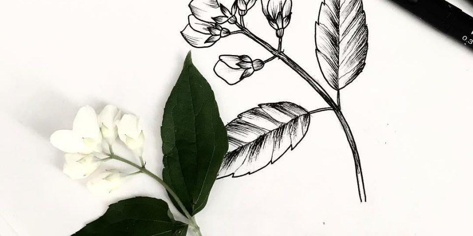 gerçekci çiçek dövme modeli
