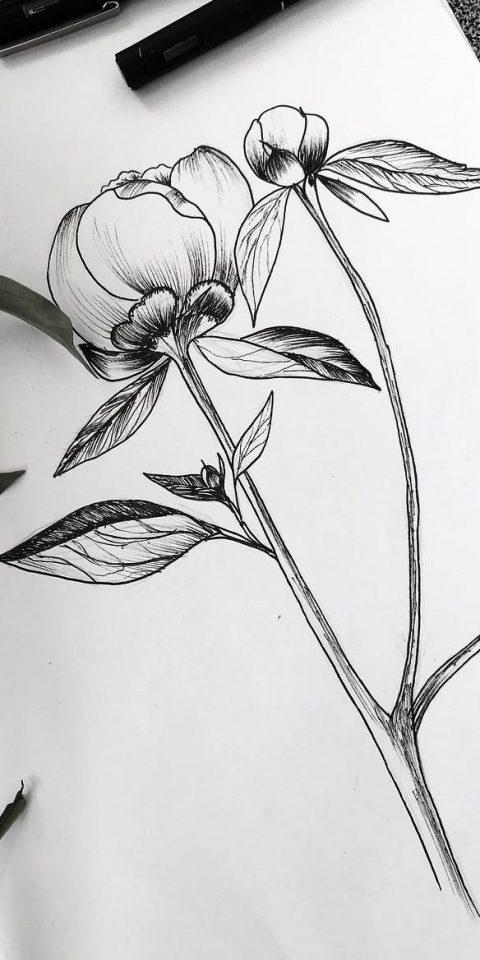relaistik çiçek dövme modeli