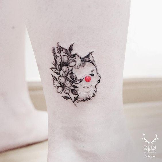kedi çiçek dövme modeli